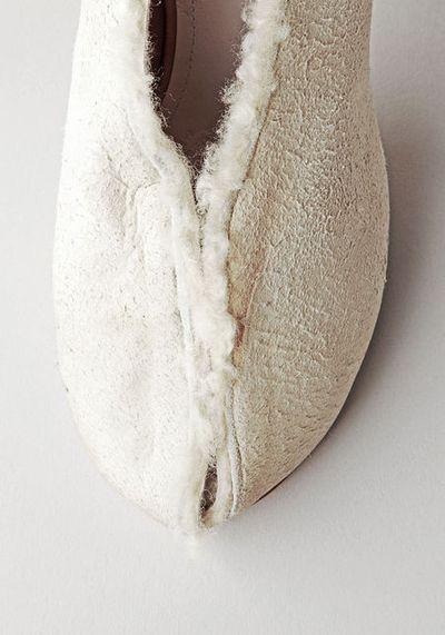 20110227_white margiela shoe